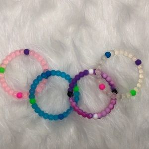 Bundle of 4 bracelets
